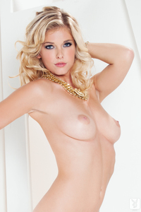 Blond Cybergirl Victoria Winters - Sexy Shivers 13