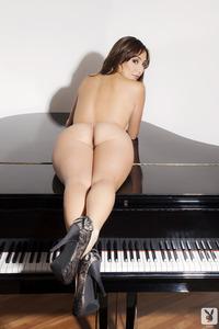 Playboy Amateur Babe Cristal Cray - Latin Keys 10