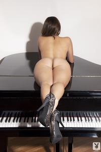 Playboy Amateur Babe Cristal Cray - Latin Keys 11
