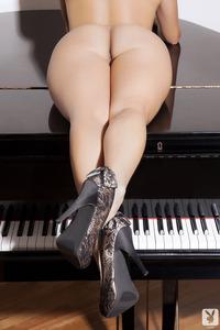 Playboy Amateur Babe Cristal Cray - Latin Keys 12