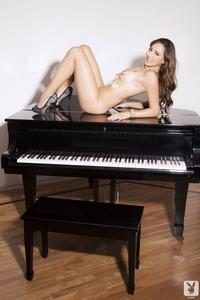 Playboy Amateur Babe Cristal Cray - Latin Keys 13