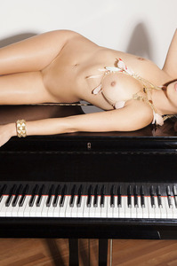 Playboy Amateur Babe Cristal Cray - Latin Keys 14