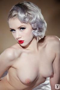 Sexy Cybergirl Mosh 14