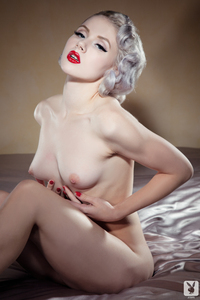 Sexy Cybergirl Mosh 17