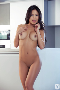 Sexy Playboy Babe Thuy Li Shows Hot Nude Body 17