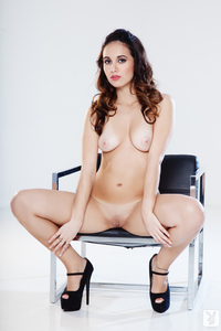 Playboy Amateur Babe Anna Capri Luminous 14