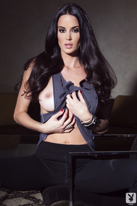 Playmate Tiffany Taylor Is An Erotic Siren 02