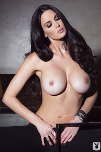 Playmate Tiffany Taylor Is An Erotic Siren 05