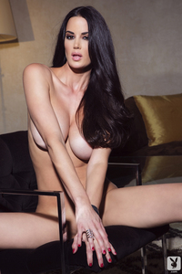 Playmate Tiffany Taylor Is An Erotic Siren 16