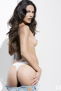 Raquel Pomplun Playboy Playmate Of The Year 2013 06