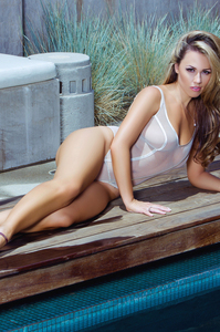 Jessica Hall Is On Top - Sexy Playboy Photo Gallery 05