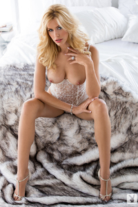 Playmate Kennedy Summers Luscious Candy 08