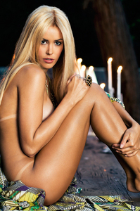 Playmate Kennedy Summers Exclusive Photo Gallery 06