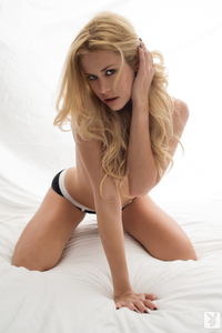 Playmate Kennedy Summers Exclusive Photo Gallery 11