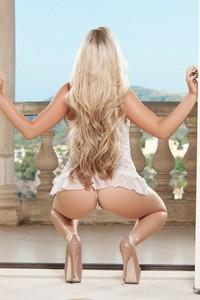 Playboy Chanel Elle 01