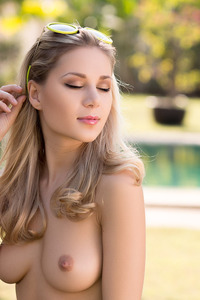 Alice Blonde Playmate 14