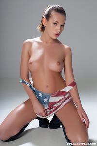 Katia Martin Posing Naked In The Studio 02