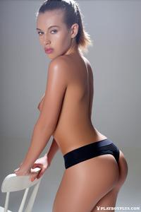 Katia Martin Posing Naked In The Studio 03