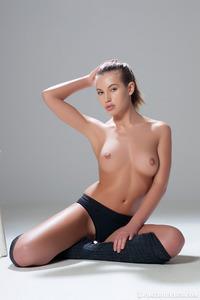 Katia Martin Posing Naked In The Studio 04