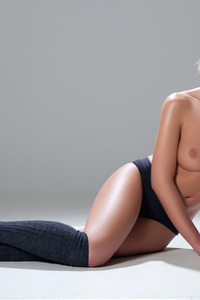 Katia Martin Posing Naked In The Studio 05