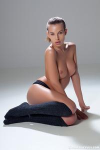 Katia Martin Posing Naked In The Studio 07