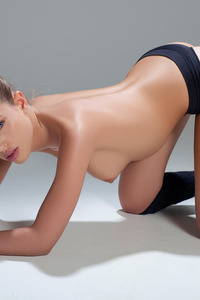 Katia Martin Posing Naked In The Studio 11