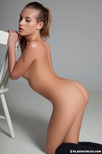 Katia Martin Posing Naked In The Studio 14