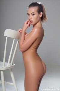Katia Martin Posing Naked In The Studio 15