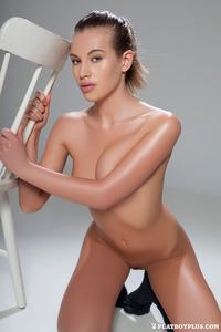 Katia Martin Posing Naked In The Studio 16
