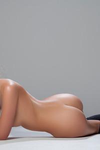 Katia Martin Posing Naked In The Studio 19