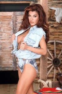Isabella Camille Hot Country Girl 00