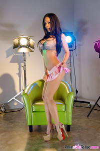 Kirsten Price Hot Studio Photoshoot 10