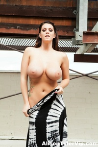 Alison Tyler Outdoor Boobs 10