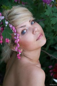 Blonde Babe Iveta Amazing Eyes 14