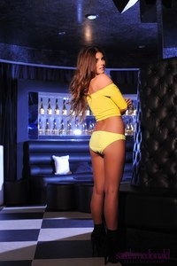 Sarah McDonald Yellow Top 05