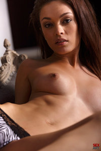 Sweet Brunette Ashley Doll Plays With Her Fine Pussy 03