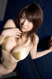 Sexy Asian Babe Aizawa Hitomi In Bikini 01