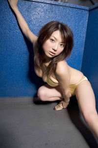 Sexy Asian Babe Aizawa Hitomi In Bikini 05