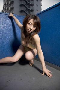 Sexy Asian Babe Aizawa Hitomi In Bikini 06