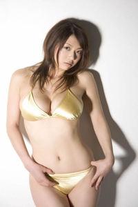 Sexy Asian Babe Aizawa Hitomi In Bikini 07