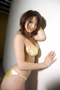 Sexy Asian Babe Aizawa Hitomi In Bikini 08