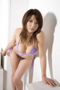 Sexy Asian Babe Aizawa Hitomi In Bikini 09