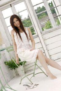 Ayumi Kobayashi Flower Girl 00