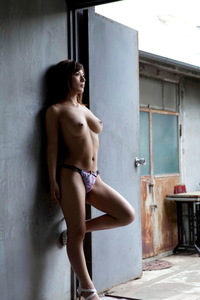 Nami Hoshino Shows Her Natural Tits 01