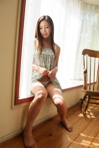 Cute Asian Girl Madoka Hitomi Have Fun In The Bedroom 01