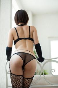 Mayu Kamiya Posing In Sexy Black Lingerie 04