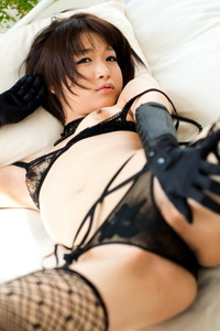 Mayu Kamiya Posing In Sexy Black Lingerie 08