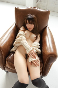 Yui Hinata Lonely But Horny 01