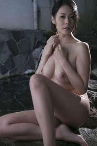 Nana Aida Sexy Naked Gallery 06
