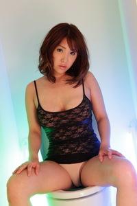 Kokoro Maki Masturbating 13